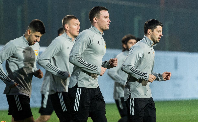«Арсенал» провел первую тренировку на сборах в Турции: фоторепортаж