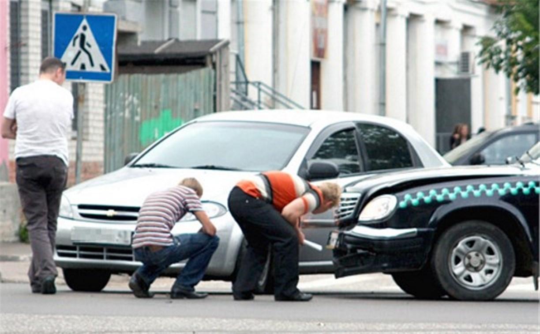 С 1 июля водителей начнут штрафовать за пробки из-за ДТП