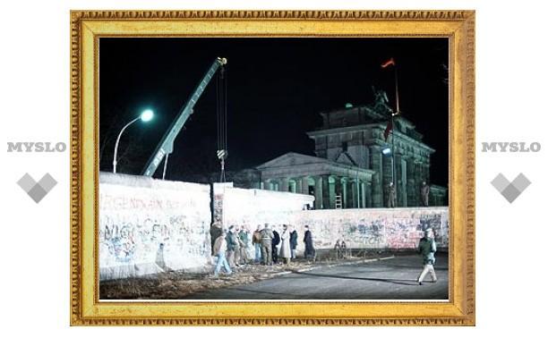 U2 дадут бесплатный концерт в честь 20-летия падения Берлинской стены