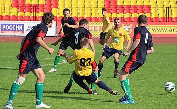 В чемпионате Тульской области по футболу дуэт лидеров уходит в отрыв
