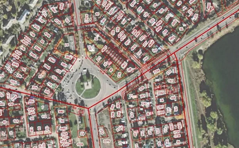 На ул. Тульского Рабочего Полка владельцы семи домов незаконно захватили 500 кв. м земли