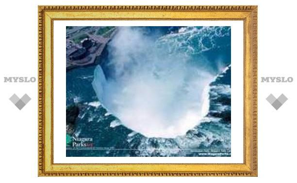Туристов в США зазывают видами знаменитого канадского водопада