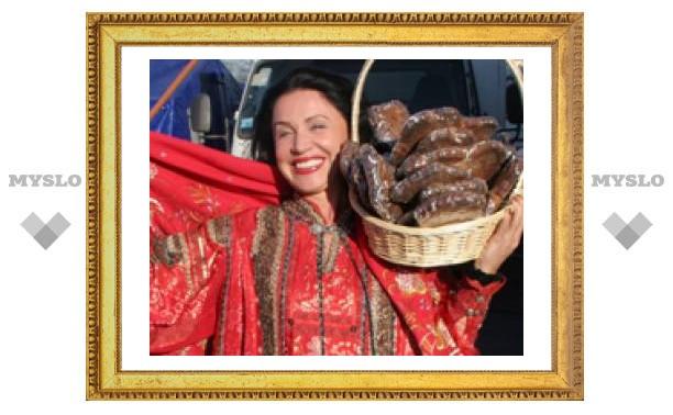 Надежда Бабкина в Туле купила 80 пряников