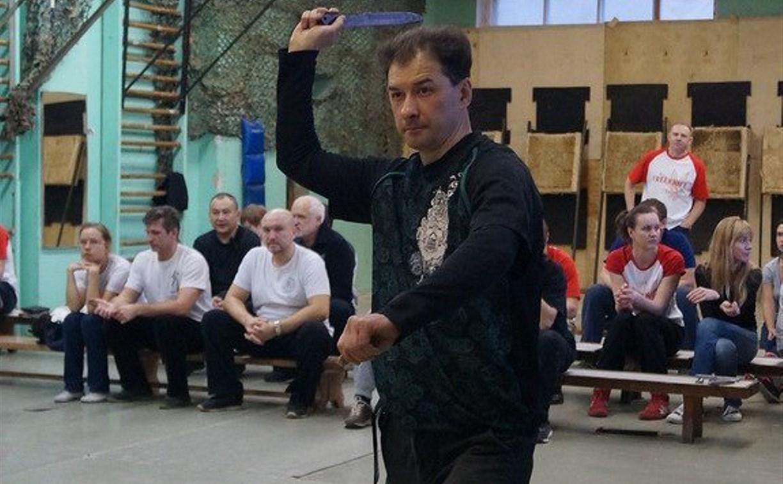 Туляк занял первое место на турнире по метанию ножей