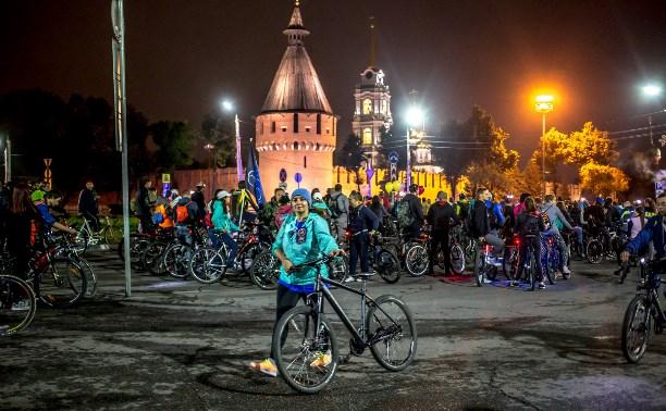 На «Велоночь» в Туле собралось около двух тысяч человек