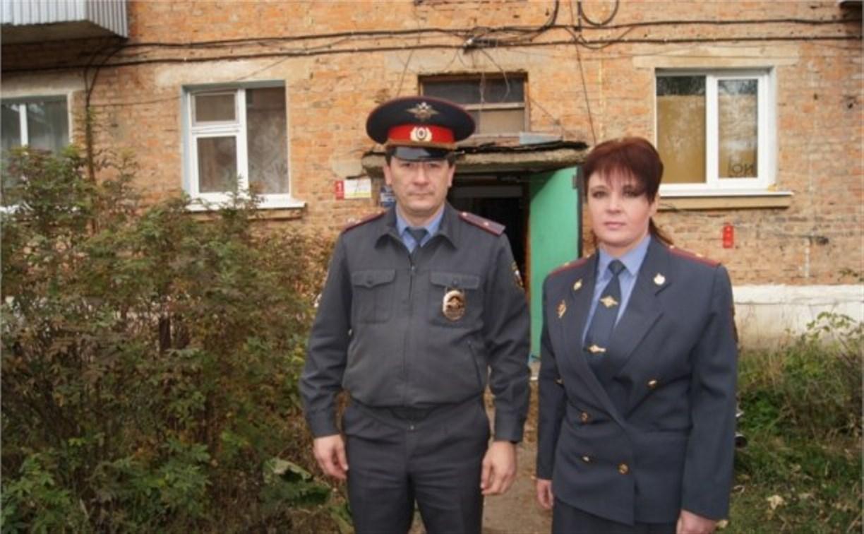 Полицейские спасли 10-летнюю девочку на пожаре в Богородицке