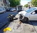 На ул. Дмитрия Ульянова в Туле легковушка сбила мотоциклиста