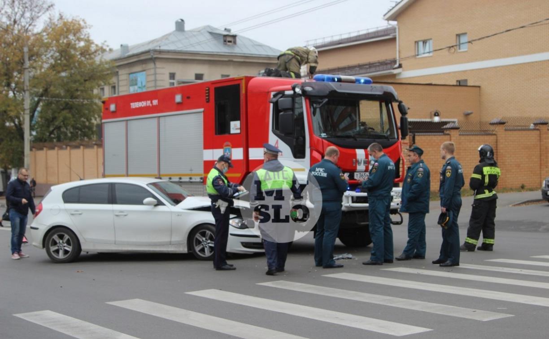 В Туле пожарная машина столкнулась с BMW