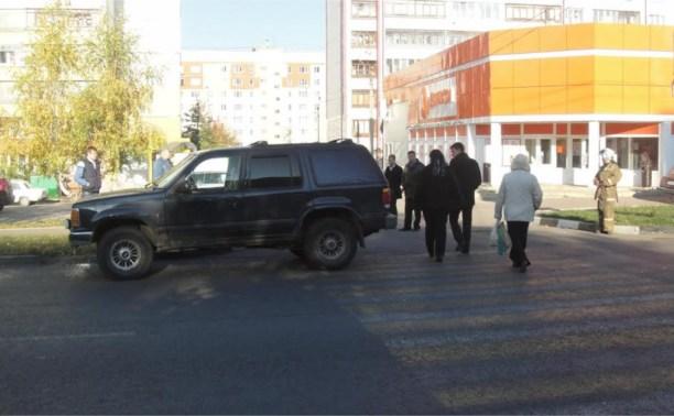 Водитель «Форда» сбил девушку на пешеходном переходе