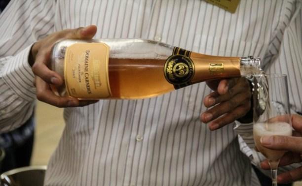 Чиновникам запретят пить импортный алкоголь