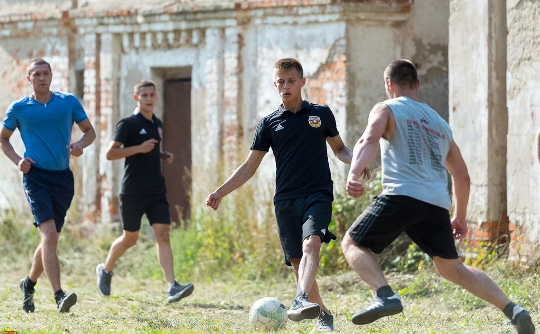Молодежка «Арсенала» провела матч с командой заключенных