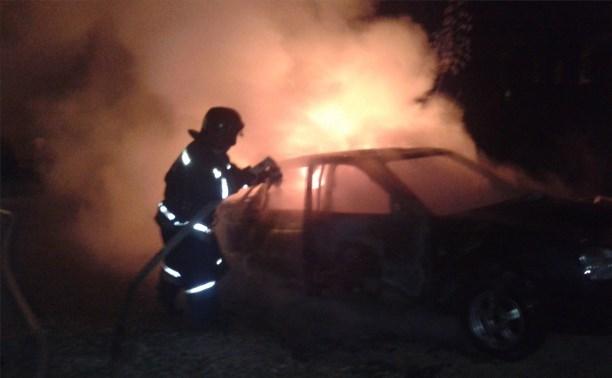 Ночью в Новомосковске сгорела «Лада Приора»