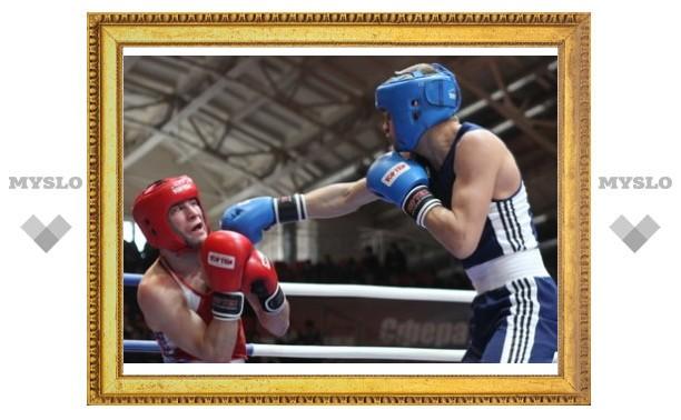 Тульский боксер бился с немецким чемпионом