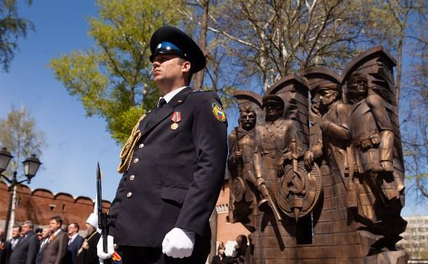 В Туле в Кремлёвском сквере зажгли Вечный огонь