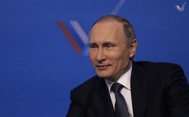 Владимир Путин будет обсуждать предложения активистов Народного фронта с главами субъектов страны