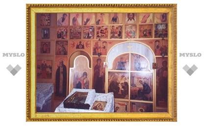 Таможня передаст Петербургской епархии старинные иконы