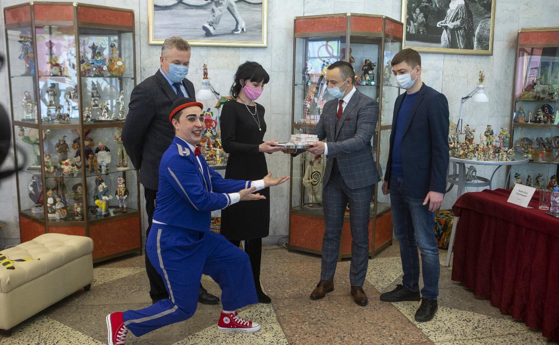 Тульский цирк подарил врачам региона 850 билетов на праздничное представление