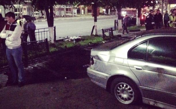 В центре Тулы BMW насмерть сбил пешехода у ночного клуба