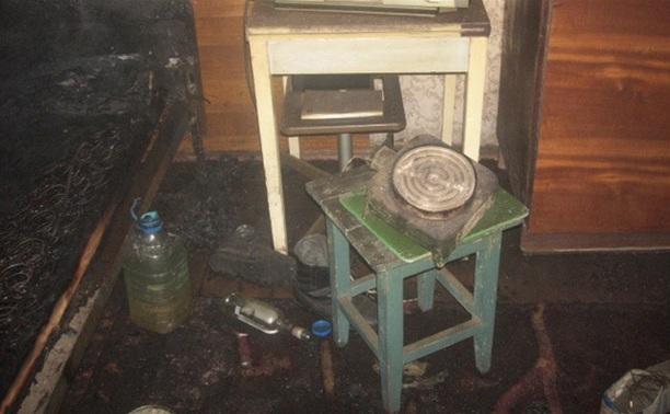 При пожаре в кимовском бараке погиб мужчина