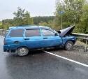 На трассе М-4 «Дон» ВАЗ врезался в отбойник