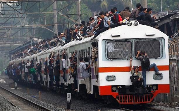 Госдума повысила штрафы за безбилетный проезд в поездах и электричках