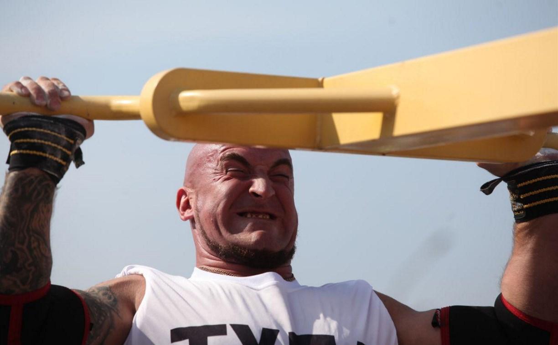 Силовой экстрим: В Туле выбирают самых мощных спортсменов