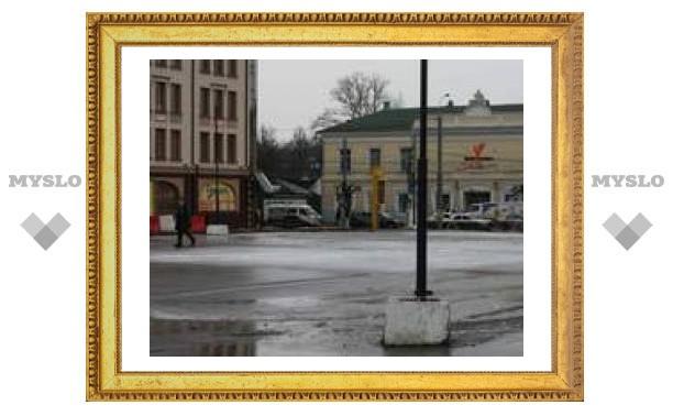 С площади Ленина убрали каток