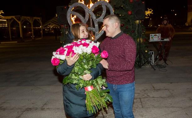 Туляк сделал предложение своей девушке на набережной. Фоторепортаж