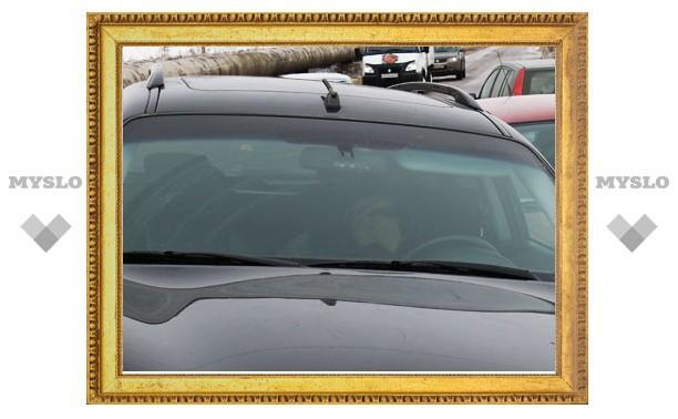 В Туле водитель Infiniti после ДТП лег «отдыхать»