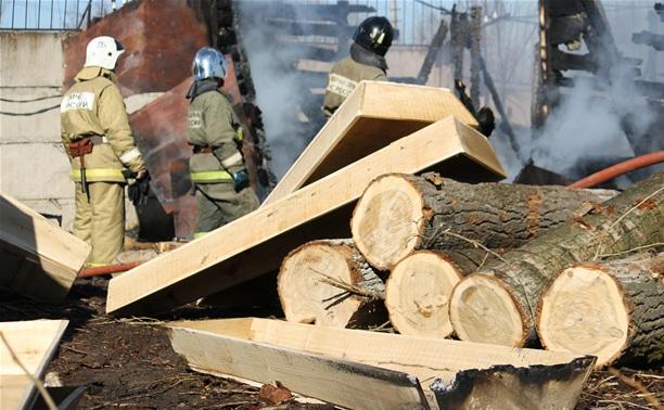 В Туле сгорел цех по производству гробов