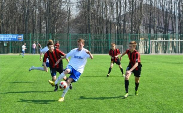 На Кубке губернатора по футболу определилась первая пара финалистов