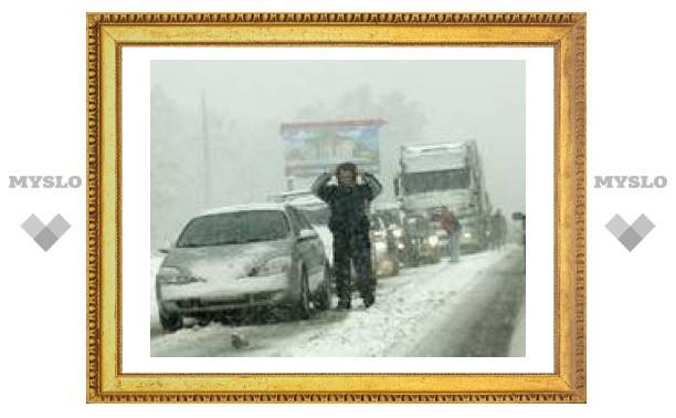 """В Тульской области завалило снегом федеральную трассу """"Крым"""""""