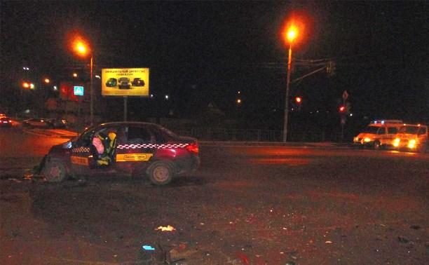 В Туле в результате ДТП погиб пассажир такси