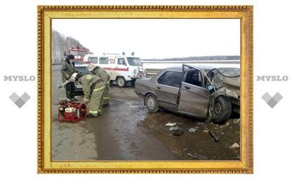 Под Тулой BMW протаранил «Волгу»