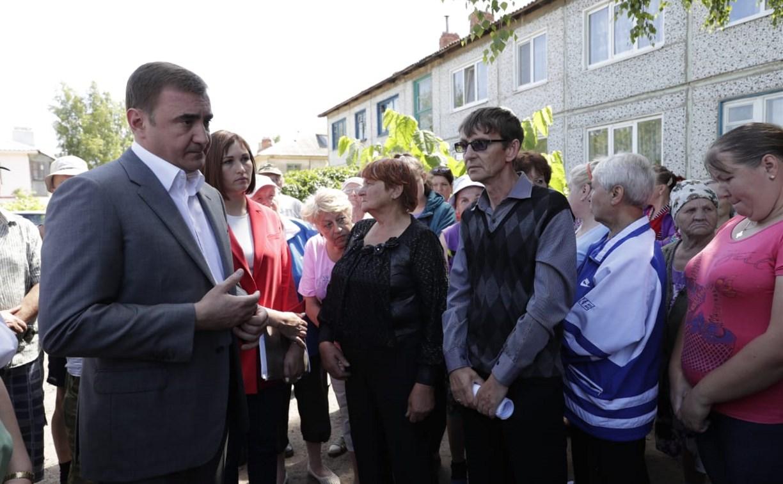 Жители поселка Оленьковский пожаловались Алексею Дюмину на заморозку строительства ФАПа