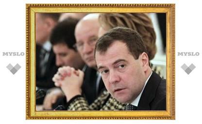 Медведев назвал крайний срок разработки закона о выборах губернаторов