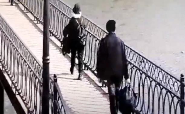 В Тульской области пропала школьница: появилось видео предполагаемого преступника