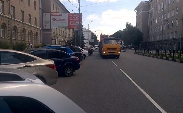 Свежая дорожная разметка на ул. Болдина вынуждает нарушать ПДД