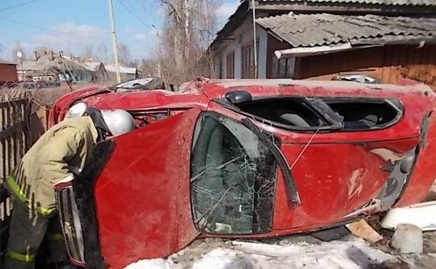 Пьяный водитель «Шевроле Ланос» улетел во двор частного дома