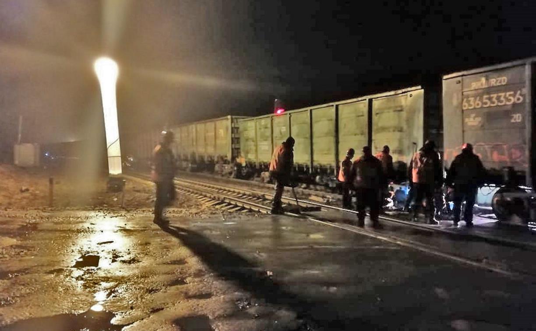В Веневском районе сошли с рельсов 4 вагона грузового поезда