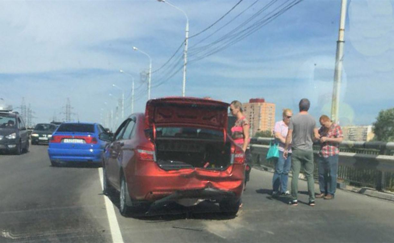 В Туле на Восточном обводе столкнулись три автомобиля