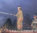 Рано утром в Ленинском районе сгорели дача, сарай и четыре хозпостройки