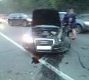 В Новомосковске Audi столкнулась с автобусом