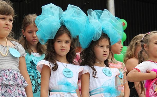Тульских близнецов и двойняшек приглашают на парад