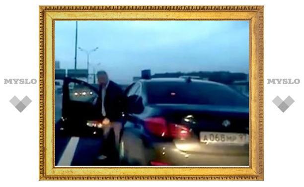 На водителя управделами президента завели дело об оскорблении