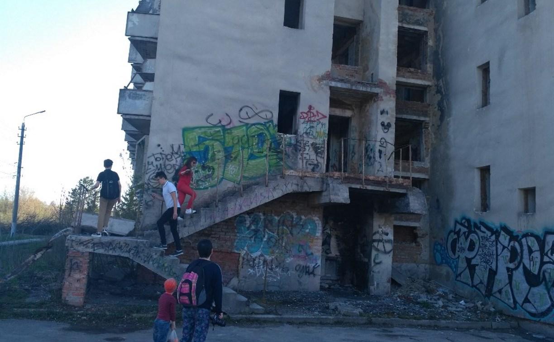 В заброшенном «Доме здоровья» в Туле вновь гуляют подростки