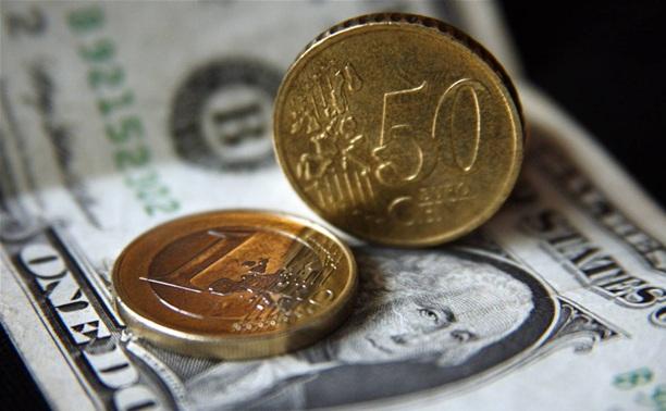 Курсы доллара и евро к рублю обновили исторические максимумы