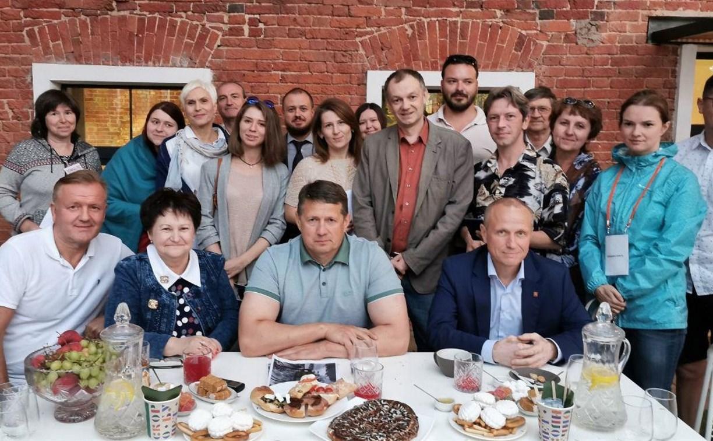 Авилов – блогерам: о фуд-корте вместо рынка, сервисе «застучи нарушителя» и круглосуточном туалете на набережной