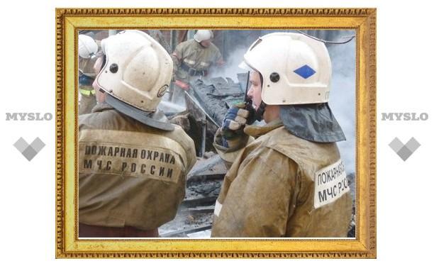 В Ефремове пожарные вывели из огня шесть человек