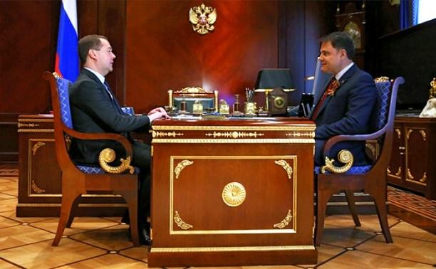 Владимир Груздев обсудит с Дмитрием Медведевым развитие информационных технологий
